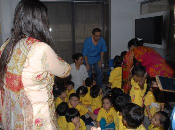 dr_mukul_with_school_kids