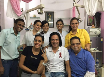 Dr-Mukul-and-team-with-actor-rahul-roy
